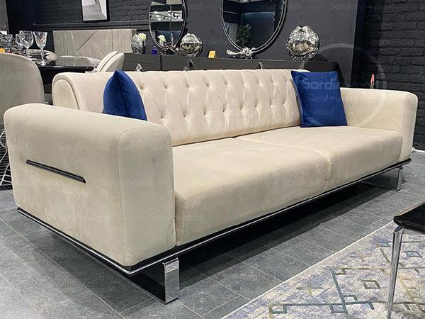 کاناپه راحتی چستر با پایه های استیل مرداس
