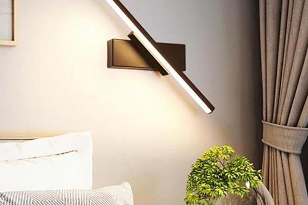 استفاده از چراغ بالای مبل